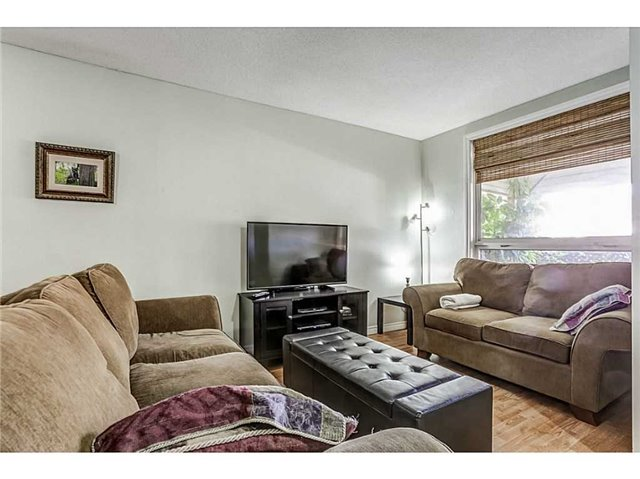 Detached at 182 Balsam Ave S, Hamilton, Ontario. Image 6