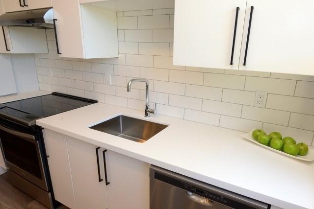 Condo Apartment at 15 Albright  Rd, Unit 7, Hamilton, Ontario. Image 17