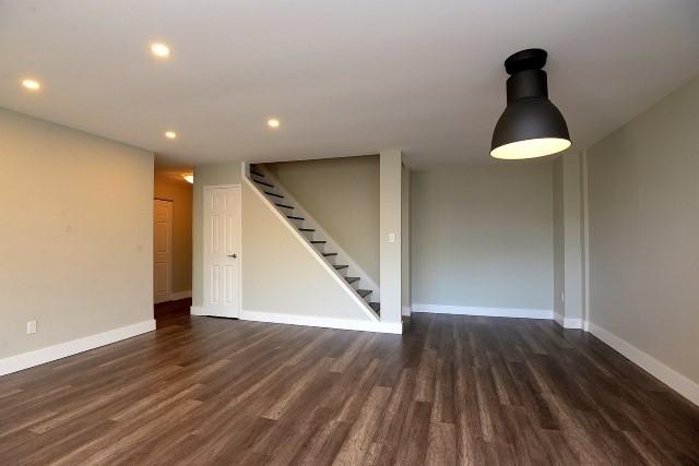 Condo Apartment at 15 Albright  Rd, Unit 7, Hamilton, Ontario. Image 20