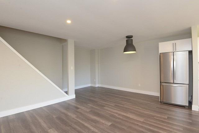 Condo Apartment at 15 Albright  Rd, Unit 7, Hamilton, Ontario. Image 2