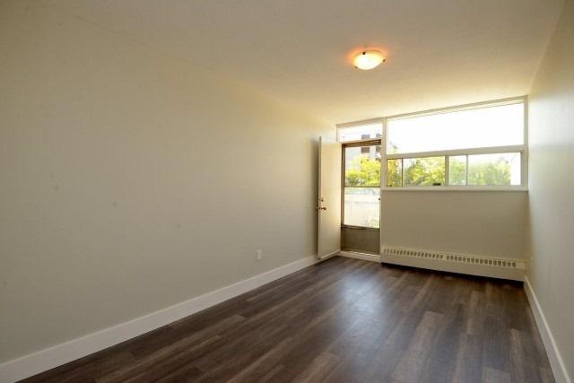 Condo Apartment at 15 Albright  Rd, Unit 7, Hamilton, Ontario. Image 7