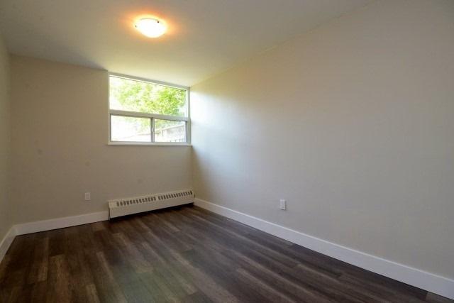 Condo Apartment at 15 Albright  Rd, Unit 7, Hamilton, Ontario. Image 8