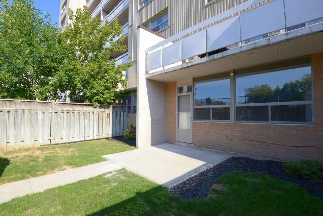 Condo Apartment at 15 Albright  Rd, Unit 7, Hamilton, Ontario. Image 10