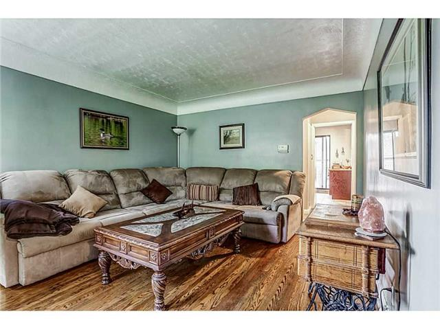 Detached at 403 Parkdale Ave S, Hamilton, Ontario. Image 12