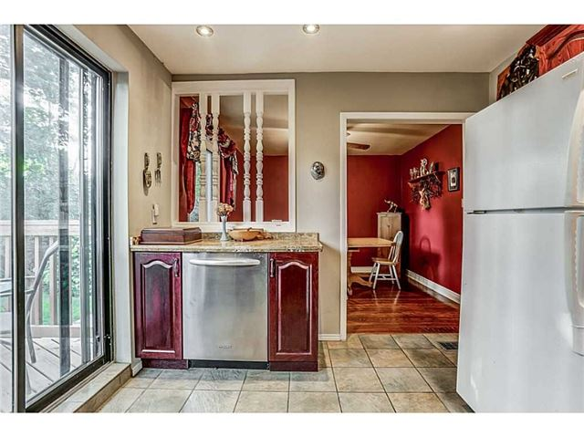 Detached at 403 Parkdale Ave S, Hamilton, Ontario. Image 17