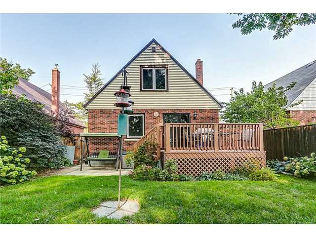 Detached at 403 Parkdale Ave S, Hamilton, Ontario. Image 11