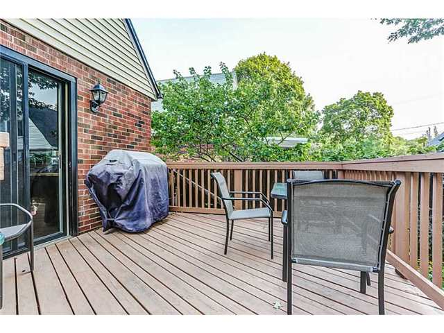 Detached at 403 Parkdale Ave S, Hamilton, Ontario. Image 13