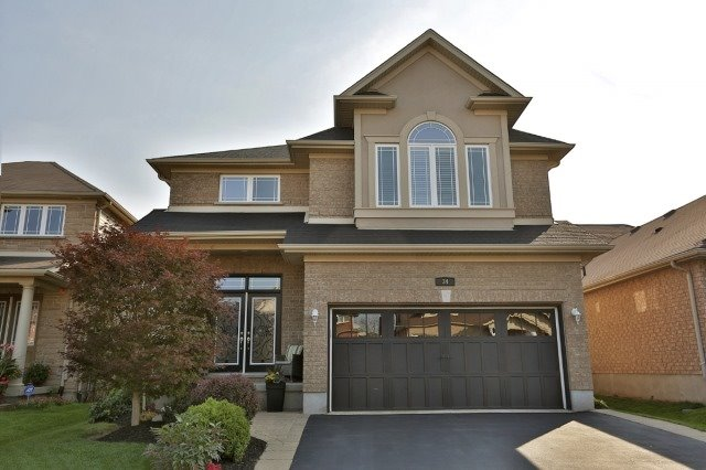 Detached at 34 Dominion Dr, Guelph, Ontario. Image 1