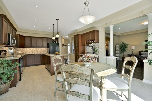 Detached at 34 Dominion Dr, Guelph, Ontario. Image 17