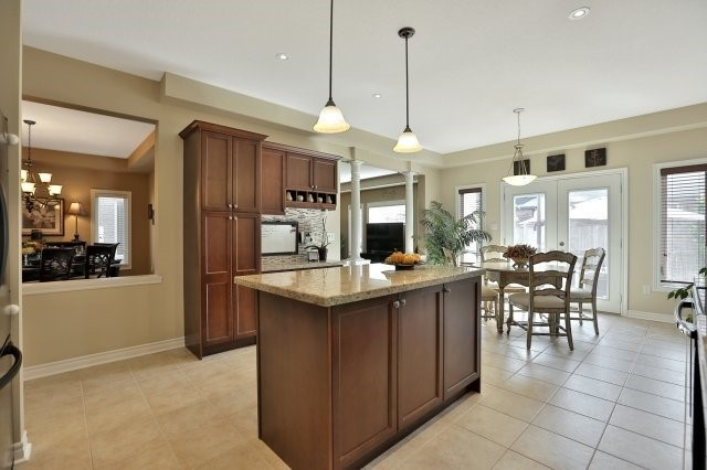 Detached at 34 Dominion Dr, Guelph, Ontario. Image 2