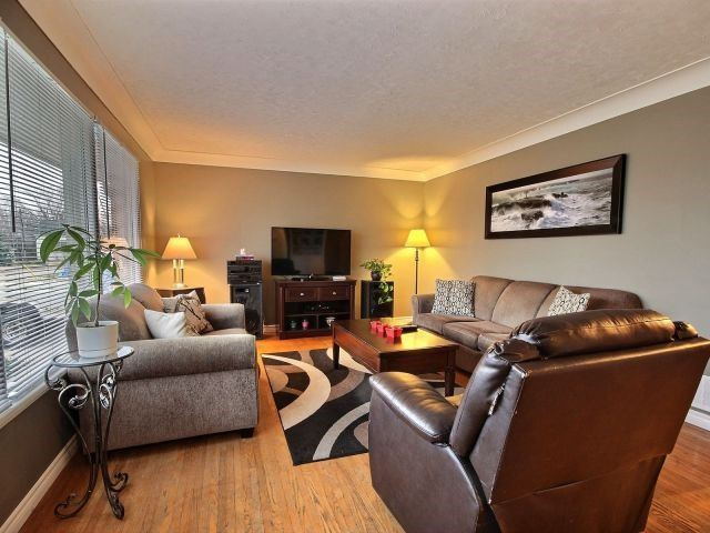 Detached at 252 Ridout St, West Elgin, Ontario. Image 5