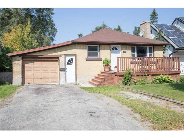 Detached at 44 Fifth Ave, Kitchener, Ontario. Image 5