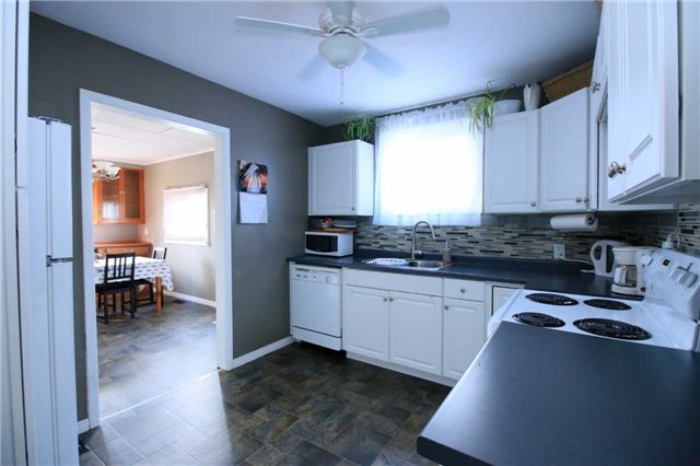 Detached at 287 East 32nd St, Hamilton, Ontario. Image 14