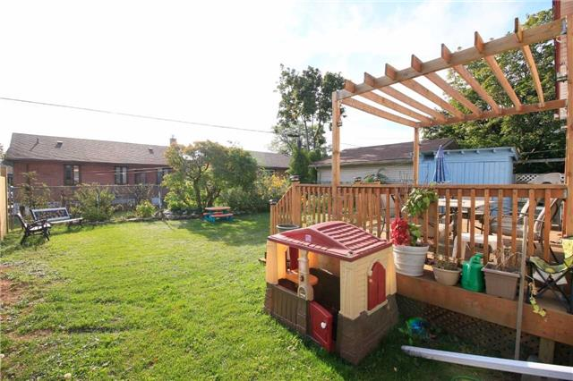 Detached at 287 East 32nd St, Hamilton, Ontario. Image 9