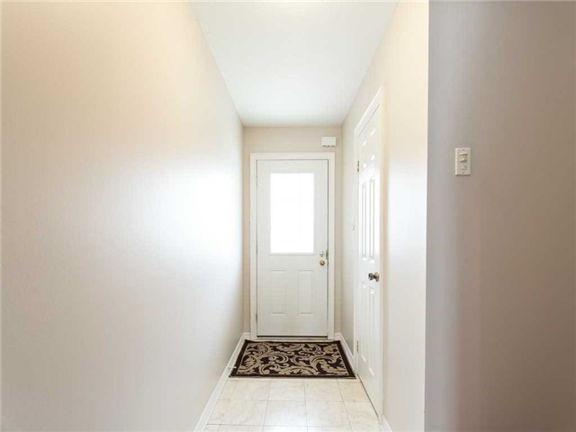 Detached at 78 Cannes St, Kitchener, Ontario. Image 12