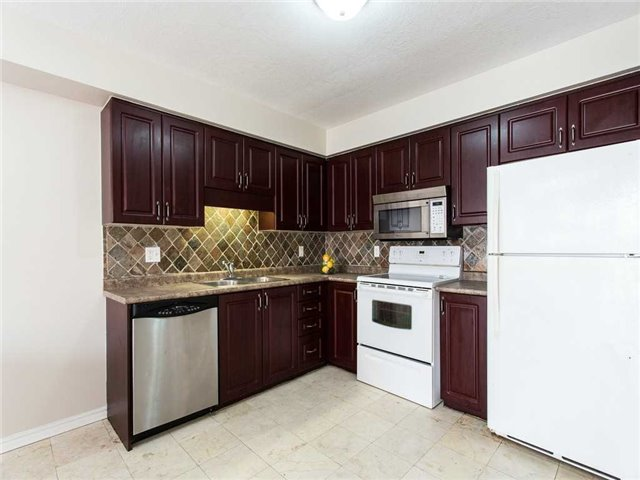 Detached at 78 Cannes St, Kitchener, Ontario. Image 16