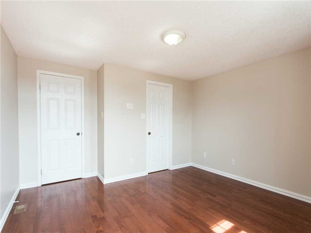Detached at 78 Cannes St, Kitchener, Ontario. Image 20