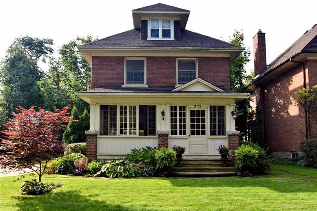 Detached at 233 4th  A St E, Owen Sound, Ontario. Image 1