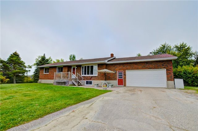 Detached at 433072 4th Line, Amaranth, Ontario. Image 12