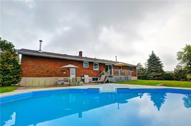 Detached at 433072 4th Line, Amaranth, Ontario. Image 6