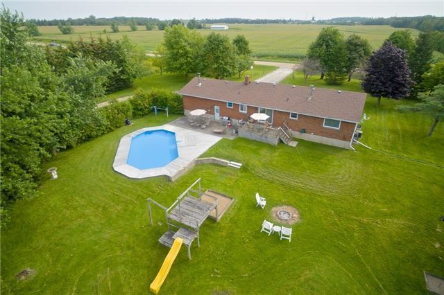 Detached at 433072 4th Line, Amaranth, Ontario. Image 8