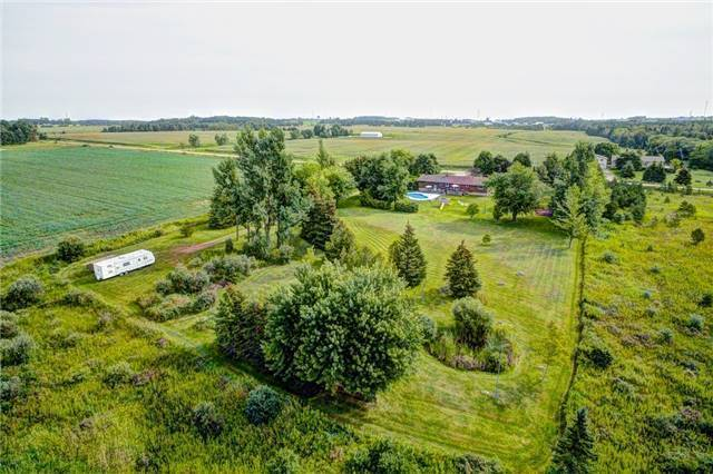 Detached at 433072 4th Line, Amaranth, Ontario. Image 9