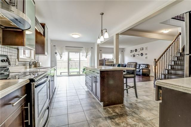 Detached at 12 Silver Maple Cres, Thorold, Ontario. Image 17
