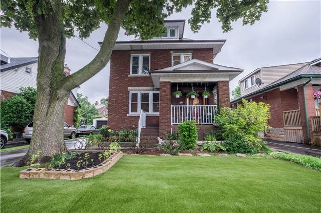 Detached at 69 Rosslyn Ave S, Hamilton, Ontario. Image 1