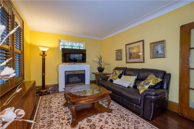 Detached at 69 Rosslyn Ave S, Hamilton, Ontario. Image 15
