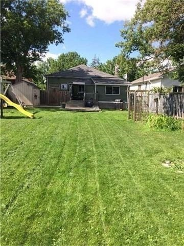 Detached at 9 Helen St, Brant, Ontario. Image 4