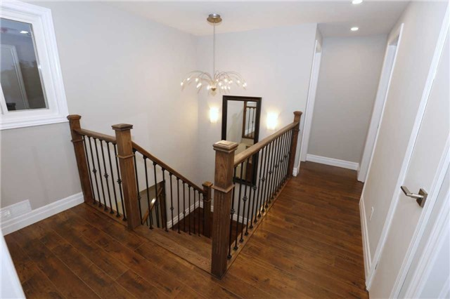 Detached at 463 Westheights Dr, Kitchener, Ontario. Image 2