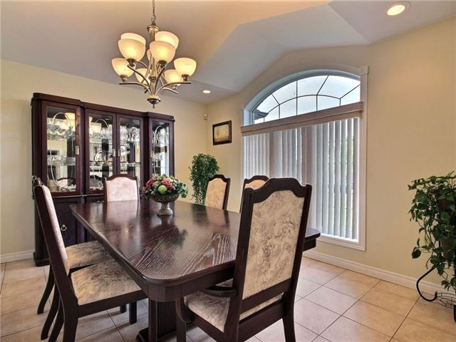 Detached at 262 Golfview Dr, Amherstburg, Ontario. Image 16
