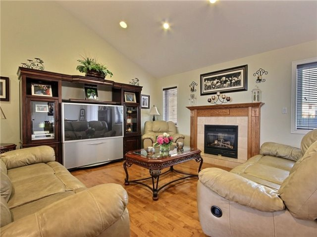 Detached at 262 Golfview Dr, Amherstburg, Ontario. Image 20