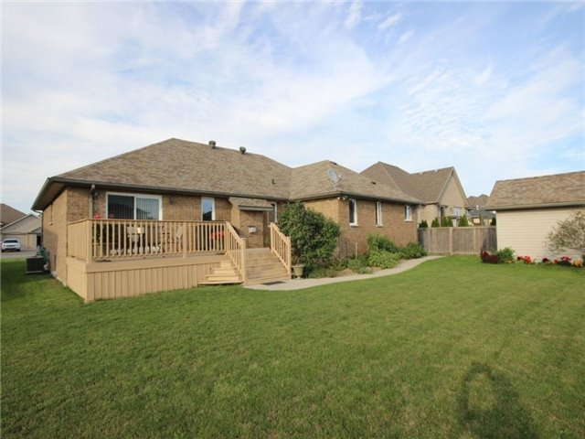 Detached at 262 Golfview Dr, Amherstburg, Ontario. Image 13