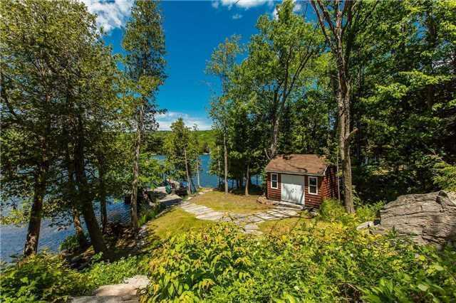 Cottage at 1040 Channel Rd, Lake of Bays, Ontario. Image 16