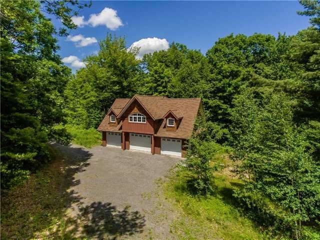 Detached at 50 Prices Point Rd, Lake of Bays, Ontario. Image 1