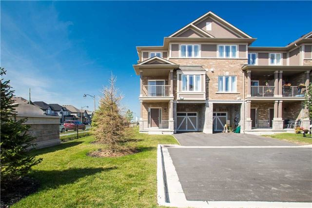 Townhouse at 12 Laureloak Lane, Hamilton, Ontario. Image 1