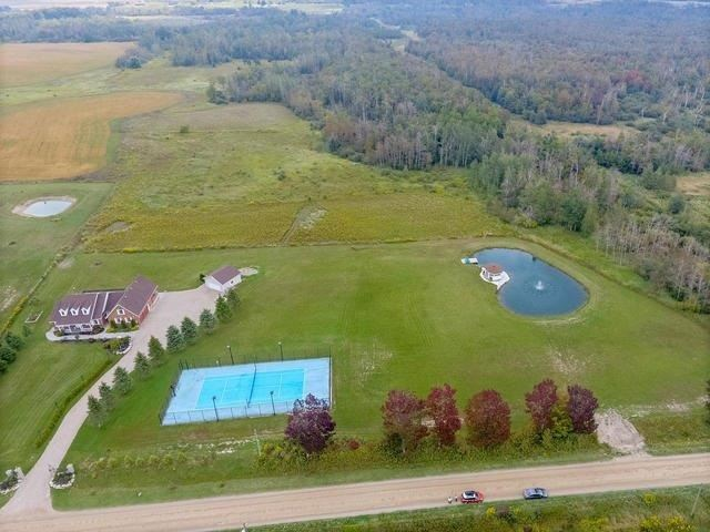 Detached at 434489 4th Line, Amaranth, Ontario. Image 12