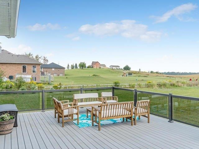 Detached at 434489 4th Line, Amaranth, Ontario. Image 11