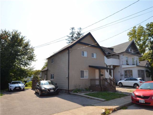 Detached at 97 Ward Ave, Hamilton, Ontario. Image 12