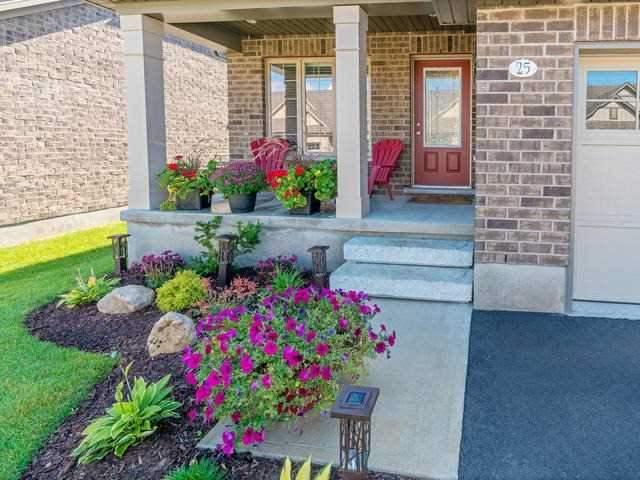 Condo Townhouse at 25 Juniper St, Guelph/Eramosa, Ontario. Image 13