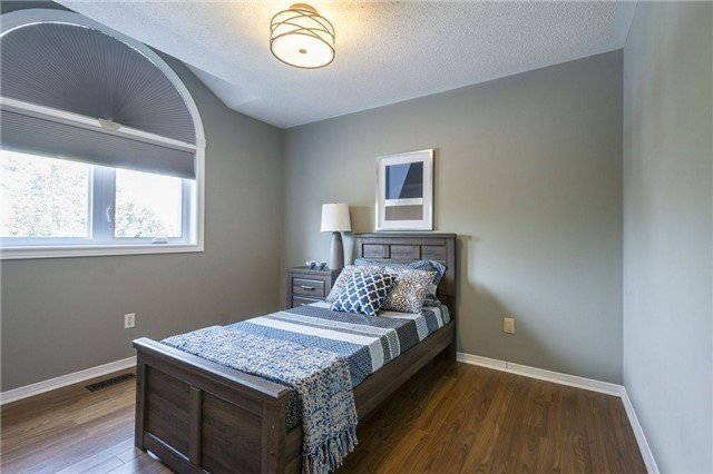 Detached at 525 Wilson Rd, Cobourg, Ontario. Image 6