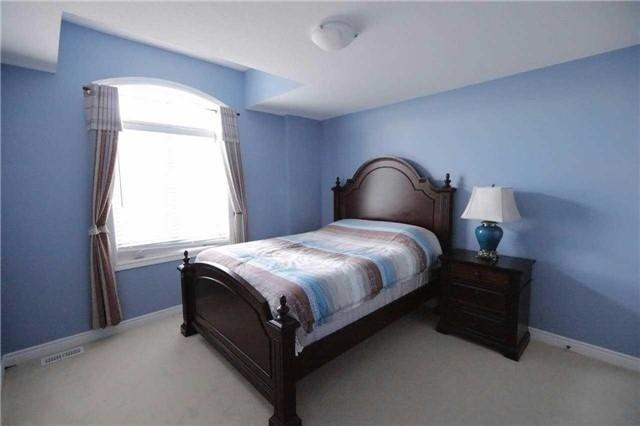 Detached at 6393 St.Michael Ave, Niagara Falls, Ontario. Image 7