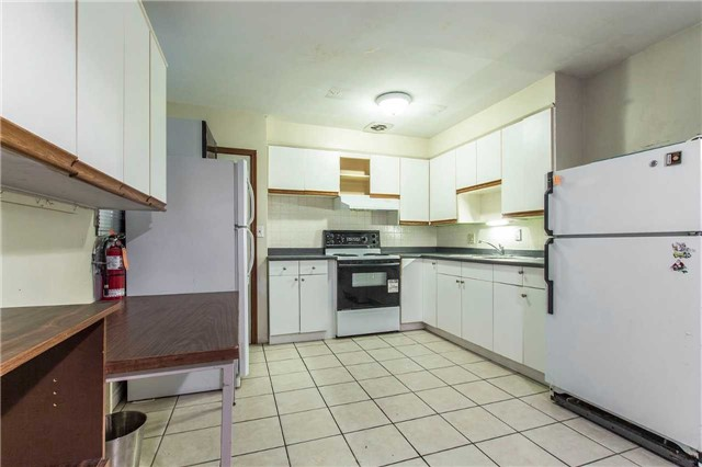 Detached at 249 Sunview St S, Waterloo, Ontario. Image 20