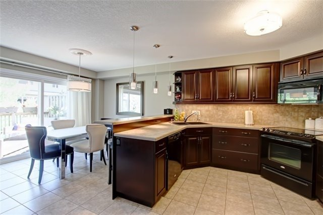 Condo Townhouse at 62 Walker Way, Guelph, Ontario. Image 16