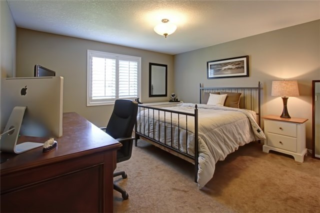 Condo Townhouse at 62 Walker Way, Guelph, Ontario. Image 20