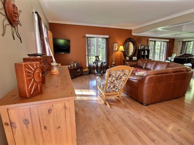 Detached at 22 Seguinbourg Rd, Nation, Ontario. Image 18