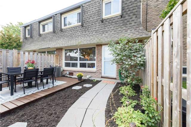 Condo Townhouse at 5 Woodlawn Crt, Unit 101, Grimsby, Ontario. Image 14