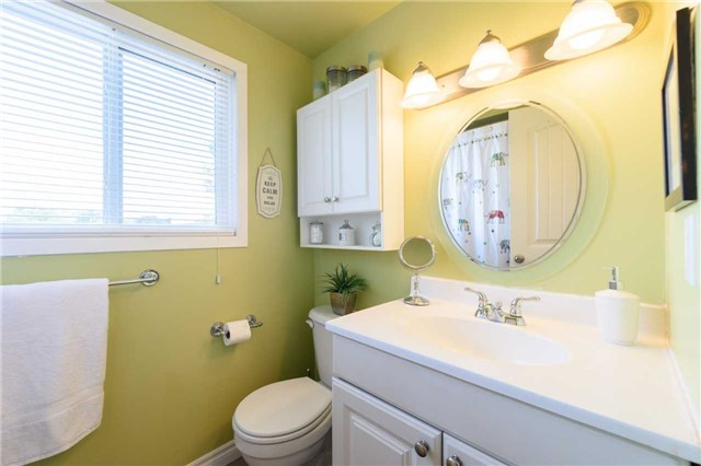Condo Townhouse at 5 Woodlawn Crt, Unit 101, Grimsby, Ontario. Image 4