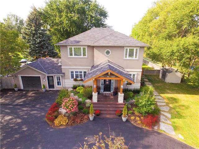 Detached at 1194 Lakeshore Rd W, St. Catharines, Ontario. Image 1